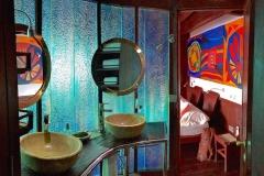 MSY MASTER IMG_3562 WAOW Master suite bathroom Luxury Liveaboard for diving in Indonesia - croisière plongée de luxe en Indonésie 980x550 exp