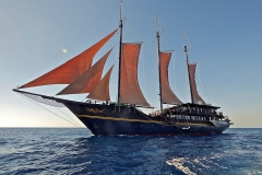 P1030124 segeln mit dem Segel-Tauchsafari Schiff WAOW H800
